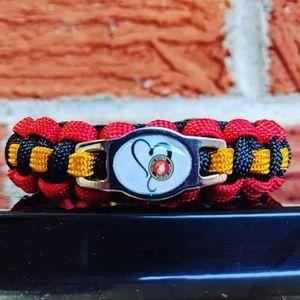 Jewelry - USMC Marines Love Paracord Bracelet